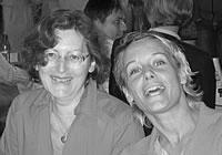 Vergnügt: Eva Maaser und Sandra Lüpkes