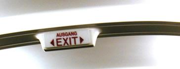 AUSGANG < EXIT >