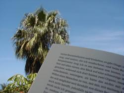 Hure unter Palmen