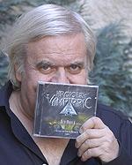 Giger mit 'seiner' CD (Foto: bcmpress)