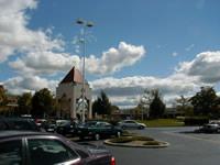 Wolken über Shopping Mall