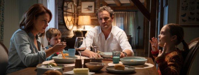 Ständiges Geraune und Gestöne: Familie Creed beim Abendessen (Foto: Paramount Pictures)