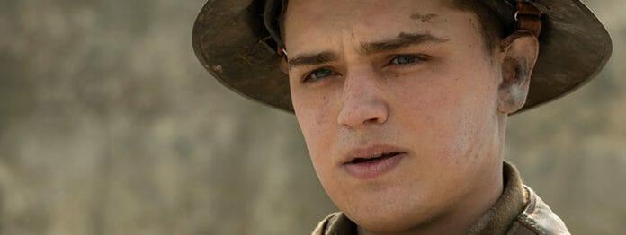 Will seinen Bruder und 1.600 Mann retten: Dean-Charles Chapman als Lance Corporal Tom Blake (Foto: Universal Pictures)