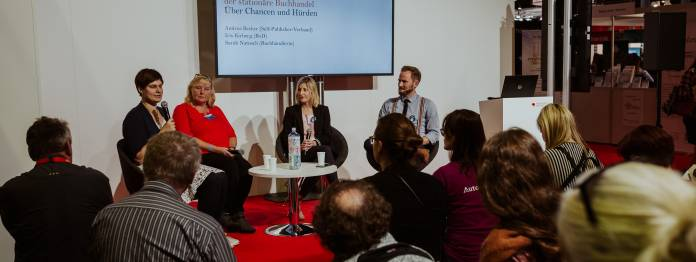 Von links: Sarah Natusch, Andrea Becker, Iris Kirberg und Thorsten Simon