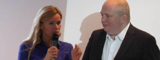 Jörg Thadeusz auf der Narrativa im Gespräch mit der Literaturkirikerin Meike Feßmann. (Foto: Tischer)