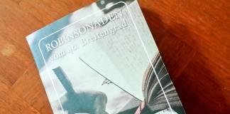 Im Räderwerk der Bespaßungsindustrie - Michael Schwessinger: Robinsonaden vom 40. Breitengrad