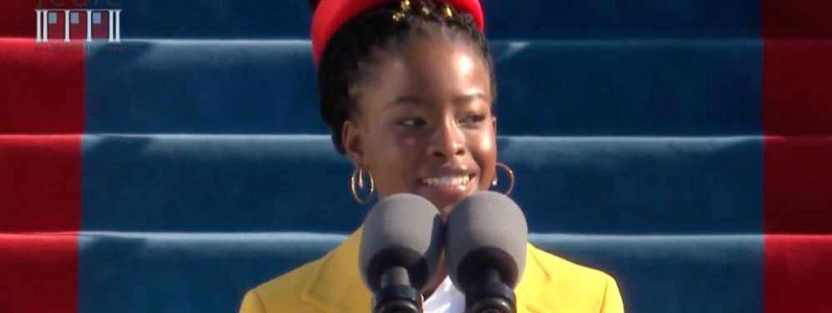 Amanda Gorman rezitiert ihr Gedicht »The Hill We Climb« bei der Amtseinführung des US-Präsidenten Jo Biden (Screenshot: YouTube)