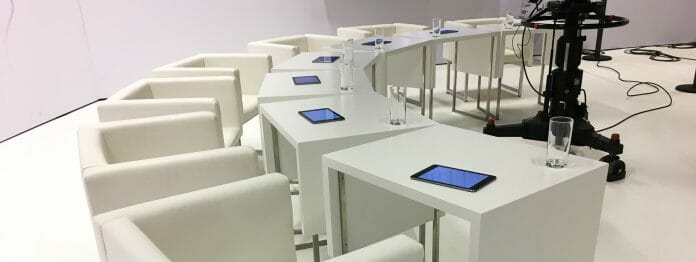 Bleiben 2020 leer: Die Jury-Stühle im ORF-Studio in Klagenfurt