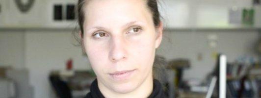 Sammelt ungeduldig: Gianna Molinari im Videoporträt (Quelle: bachmannpreis.at)