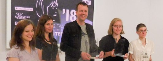 Die Preisträger 2018: Özlem Özgül Dündar (kelag-Preis), Tanja Maljartschuk (Bachmannpreis), Bov Bjerg (Deutschlandfunk-Preis), Raphaela Edelbauer (BKS-Publikumspreis) und Anna Stern (3sat-Preis)