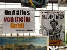 Protestdokumente am Stuttgarter Bauzaun