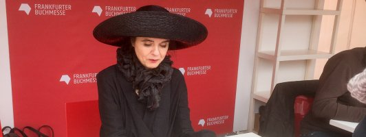 Amélie Nothomb - extravagant und durch und durch stimmig (Foto: Fellgiebel)