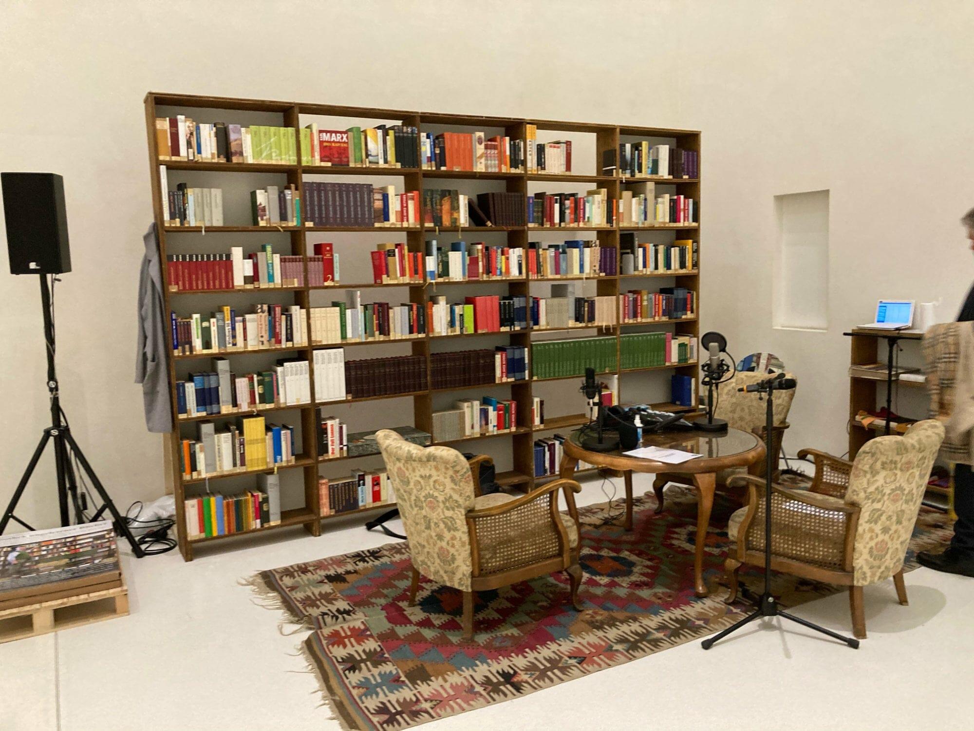 Die Bibliothek der ungelesenen Bücher von Julius Deutschbauer