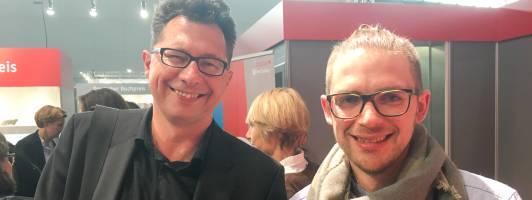 Die Gewinner Uwe Kalkowski (Kaffehaussitzer/links im Bild) und Florian Valerius (LiterarischerNerd)