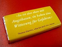 Keine Angst: nur Schokolade mit Buchwerbung