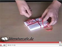 Video: Bücher als Geschenk verpacken