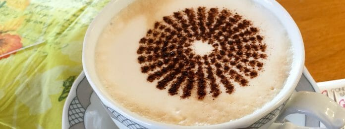 Hm! Lecker! Kaffee mit Corona-Topping.