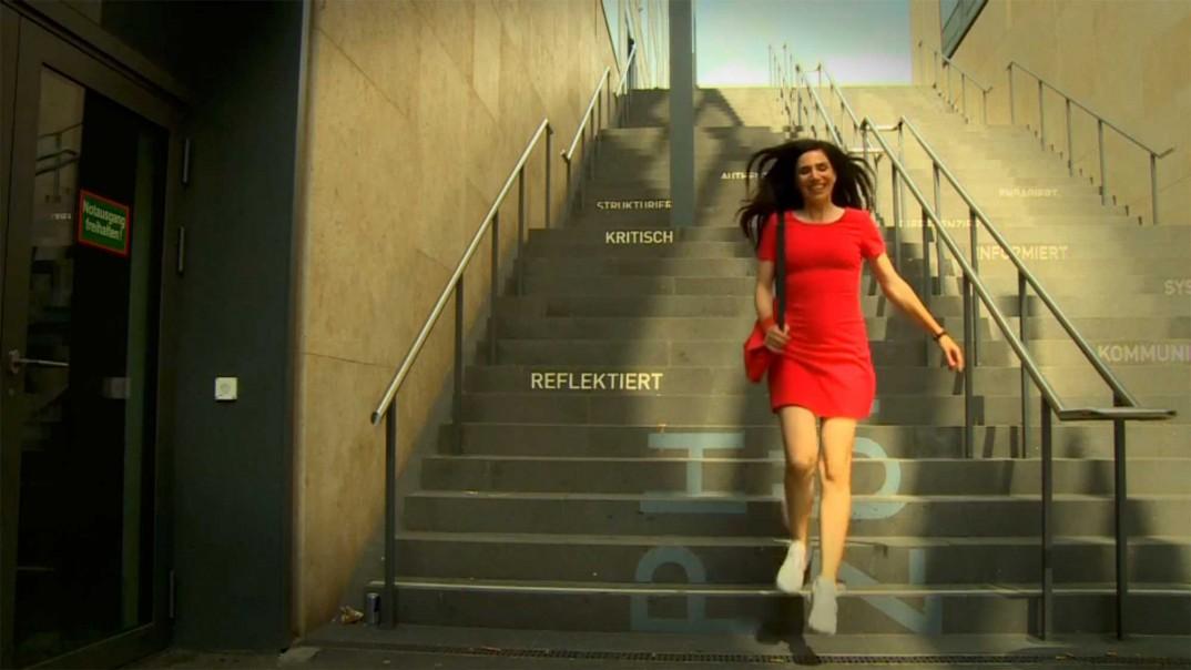 Screenshot aus dem Video von Dana Grigorcea