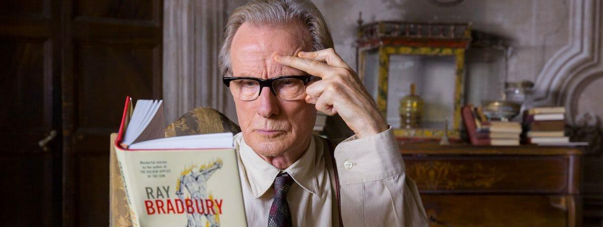 Perfekter Buchtipp: Mr. Brundish (Bill Nighy) wird durch Florence Green zum Ray-Bradbury-Fan (Foto: Lisbeth Salas)