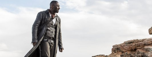 Idris Elba als Roland, der rastlos rumballernde Revolverheld (Foto: Sony Pictures)