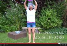 Emily Bold bei der Ice Bucket Challenge