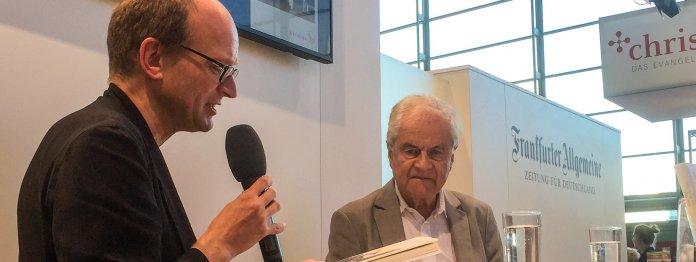 Thomas Manns Lieblingsenkel Frido (rechts) im Gespräch mit Andreas Platthaus (Foto: Barbara Fellgiebel)