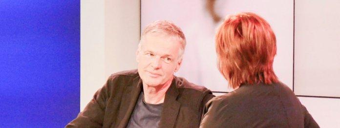 Wolf Haas im Gespräch mit Christine Westermann (Foto: Jana Gross)