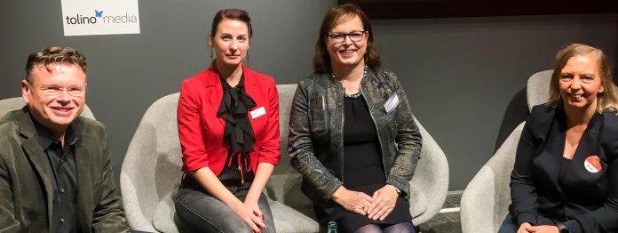Nach der Diskussion auf der Frankfurter Buchmesse: Moderator Wolfgang Tischer (literaturcafe.de), Martina Raschke (Tolino Media), Vera Nentwich (Selfpublisher-Verband) und Andrea Kock (BoD)