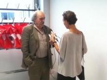 Eröffnungsredner Urs Widmer gibt noch vorab letzte Interviews
