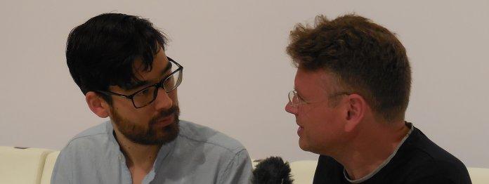 Yannic Han Biao Federer (rechts) im Gespräch mit Wolfgang Tischer