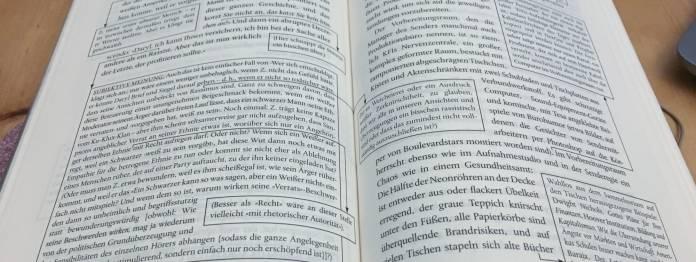 Hypertext in Papierform: Beispielseite aus David Foster Wallace: Der Spaß an der Sache
