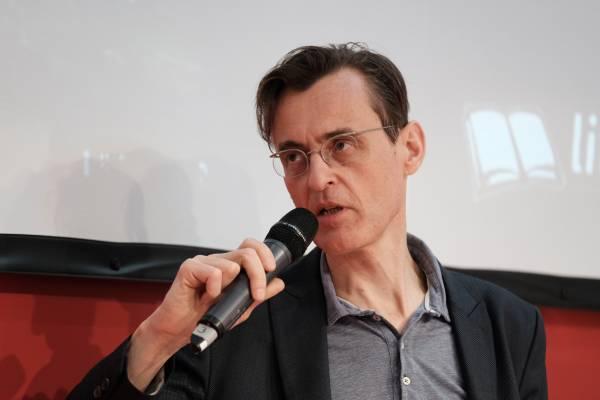 Bendedikt Gollhardt über seinen Thriller »Westwall«