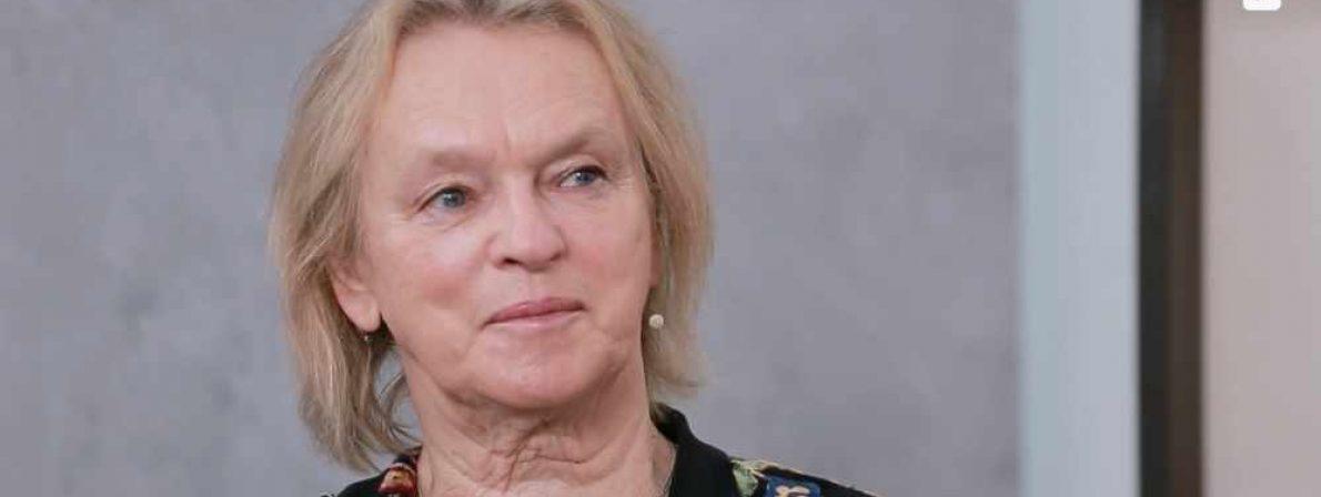 Elke Heidenreich als Gast in der Web-Literatursendung »Spitzentitel« des Spiegels (Foto: Screenshot spiegel.de)