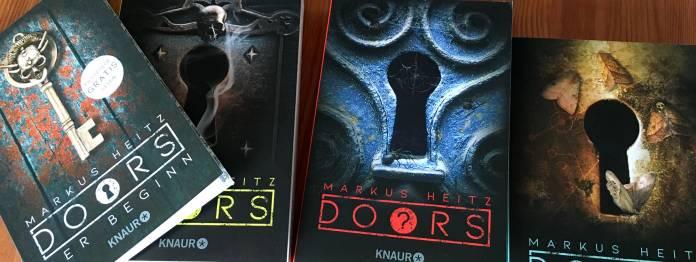 Die drei Bücher der ersten DOORS-Staffel mit dem kostenlosen Pilot-Band (links)