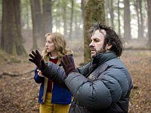 Regisseur Peter Jackson und Darstellerin Saoirse Ronan am Set (Foto: Paramount)