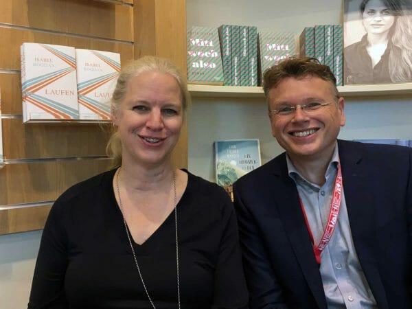 Isabel Bogdan und Wolfgang Tischer bei ihrem ersten Gespräch auf der Frankfurter Buchmesse 2019