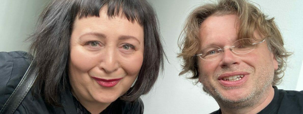 Autorin und Moderatorin Julya Rabinowich und Wolfgang Tischer vom literaturcafe.de