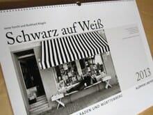 Kalender: Schwarz auf Weiß