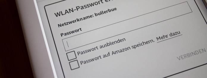 Bei der Konfiguration wird das Gerät mit dem WLAN verbunden. Vorsicht: Das eigene WLAN-Passwort sollte man aus Sicherheitsgründen nicht auf Amazon-Servern speichern und den Haken bei der Option rausnehmen. (Klick zum Vergrößern)