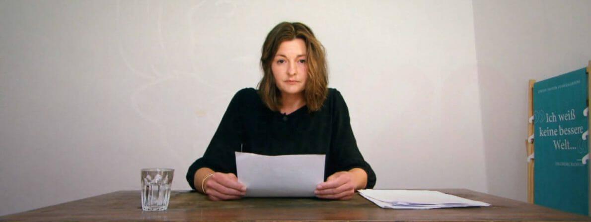 Laura Freudenthaler bei ihrer vorab aufgezeichneten Lesung am Samstag (Foto: Screenshot/ORF)