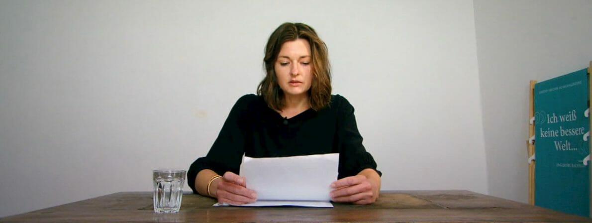 Laura Freudenthaler bei ihrer Lesung. Kann Sie auf den Bachmannpreis hoffen? (Foto: Screenshot/ORF)