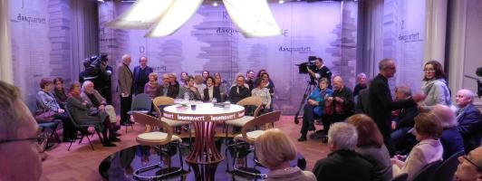 Der große Raum im Erdgeschoss des Palais Biron ist zum Literatur-Studio umgebaut worden (Foto: Wolfgang Tischer)