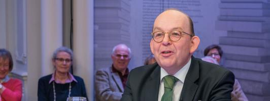 Moderator Denis Scheck (Foto: SWR/Alexander Kluge)