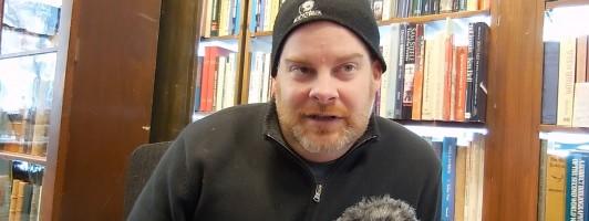 Liam McGahern betreibt zusammen mit seinem Vater Patrick ein Antiquariat in Ottawa.