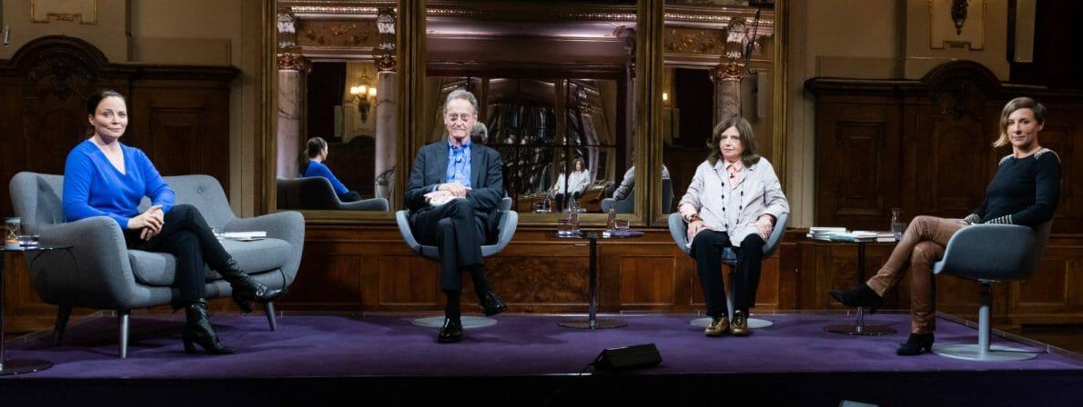 Die Besetzung des Literarischen Quartetts vom 09.10.2020: Thea Dorn, Bernhard Schlink, Sibylle Lewitscharoff und Juli Zeh. (Foto: ZDF/Jule Roehr)