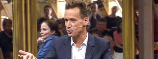 Ohne rote Hose und reichlich unscharf: Ich beim Literarischen Quartett (Foto: ZDF)