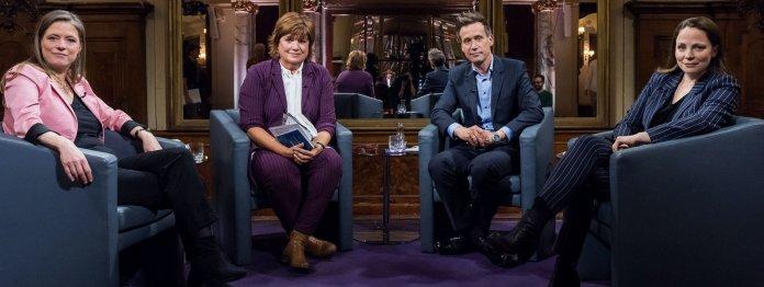 Sandra Kegel (links), Literaturkritikerin bei der FAZ, war diesmal Gast im Literarischen Quartett (Foto: ZDF/Jule Roehr)