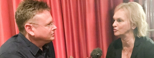 Wolfgang Tischer im Gespräch mit Literaturclub-Kritikerin Elke Heidenreich (Foto: Birgit-Cathrin Duval - Klick vergrößert)