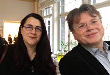 Die VS-Vorsitzende Lena Falkenhagen und literaturcafe.de-Herausgeber Wolfgang Tischer bei der Tagung des Deutschen Literaturfonds in Leipzig