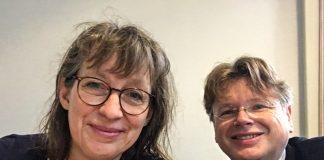 Susanne Fischer, Vorstandsmitglied des Deutschen Literaturfonds und Wolfgang Tischer vom literaturcafe.de im Gespräch